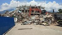 Hotel Roa-Roa Palu luluh lantak diterjang gempa dan tsunami (Liputan6.com/Ady)