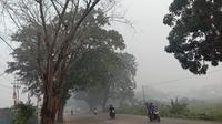 Gelap kabut asap menyelimuti kota Pontianak. (foto: Liputan6.com/aceng mukaram)