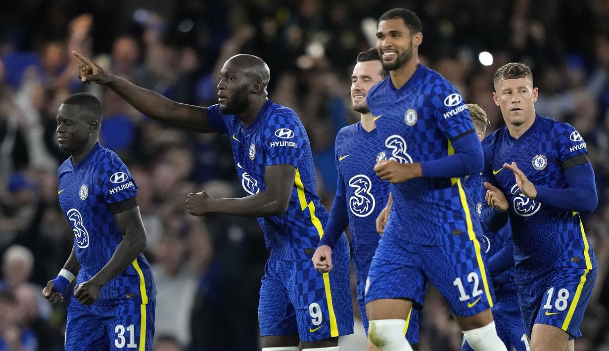 Chelsea sukses memenangkan pertandingan putaran ketiga Carabao Cup 2021/2022 setelah mendapatkan perlawanan sengit dari Aston Villa. Pertandingan ditentukan lewat babak adu penalti setelah kedua kubu memiliki skor imbang di waktu normal. (AP/Frank Augstein)