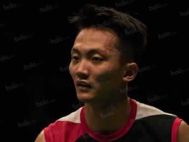 Tunggal putra Indonesia, Ihsan Maulana Mustofa, kalah dari tunggal putra Malaysia, Lee Chong Wei, pada semifinal BCA Indonesia Open 2016 di Istora Senayan, Jakarta, Sabtu (4/6/2016). (Bola.com/Vitalis Yogi Trisna)