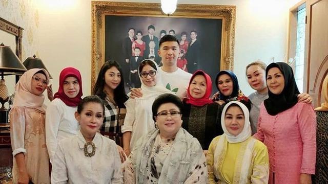 Segera Menikah Ini 5 Momen Nikita Willy Dengan Keluarga Besar Indra Priawan Hot Liputan6 Com