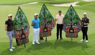 (Kiri-Kanan) Pegolf Indonesia Rory Hie, Pegolf Thailand Poom Saksansin, Pegolf Amerika Serikat John Catlin, dan Pegolf Thailand Jazz Janewattananond berbincang-bincang di sela Press Conference BNI Indonesian Masters 2019 di Royale Jakarta Golf Club, Rabu (11/12).