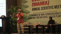 Di acara Indonesia Health Economic Association, Dr dr Ketut Suastika SpPD KEMD mengatakan bahwa bukan gula yang menyebabkan seseorang mengidap diabetes, melainkan obesitas (Aditya Eka Prawira/Liputan6.com)