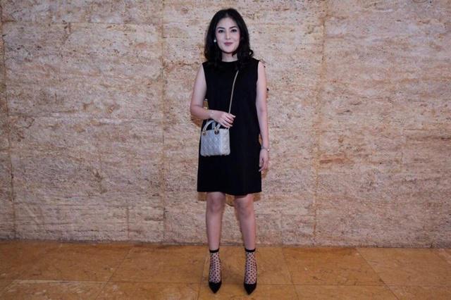 Nindy selalu tampil cantik dan fashionable karena ia merasa percaya diri/copyright vemale.com/Anisha SP