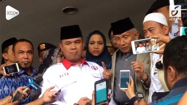 Amien Rais memuji kinerja penyidik yang memeriksanya di Polda Metro Jaya. Ia menilai pertanyaan petugas tak berbelit-belit dan menjebak.