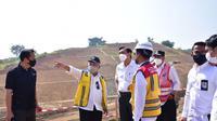 Menteri Koordinator Bidang Kemaritiman dan Investasi Luhut Binsar Panjaitan mengapresiasi gerak cepat  Kementerian PUPR dalam pembangunan proyek Tol Cileunyi-Sumedang-Dawuan (Cisumdawu). (Dok Kementerian PUPR)