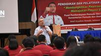 Deputi Bidang Pemberdayaan Pemuda Faisal Abdullah membuka Diklat Pemberdayaan Pemuda.