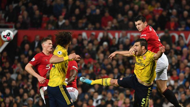 Arsenal Gagalkan Kemenangan Manchester United