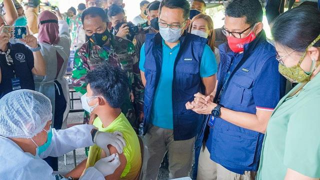 Kemenparekraf Hadirkan Sentra Vaksinasi COVID-19 di Pusdikkav Padalarang