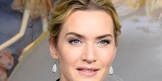 Kate Winslet dan Liam Hemsworth terlibat kerjasama untuk film terbaru bertajuk The Dressmaker.  (AFP/Bintang.com)