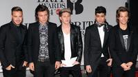 One Direction kini pun harus bersiap-siap dengan album baru Zayn Malik. Pasalnya boyband asal Britania tersebut juga bakal merilis album baru. (Bintang/EPA)