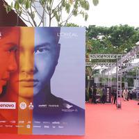 Yogyakarta dipilih untuk memutar perdana film Ada Apa Dengan Cinta 2. Bertempat di Empire XXI, Yogyakarta Sabtu (23/4/2016) malam, sejumlah persiapan dilakukan. (Syaiful Bahri/Bintang.com)
