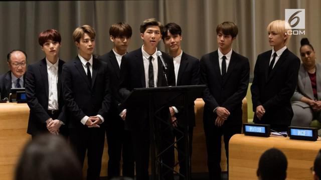Boyband asal Korea Selatan, BTS, mencuri perhatian di sela-sela agenda Sidang Umum PBB di New York, Amerika Serikat, pada Senin 24 September.