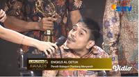 Liputan6 Awards 2019 memberikan penghargaan kepada seorang penyandang disabilitas bernama Ngkus Al Getuk atas kontribusinya menjadi seorang pengajar Bahasa Inggris bagi ribuan orang. (Liputan6.com/Nanda Perdana)