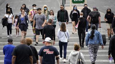 Warga AS yang Sudah Divaksinasi Tak Perlu Kenakan Masker Lagi
