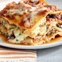 Mencicipi kelezatan lasagna dalam 10 potret menggoda. (Via: cooking.nytimes.com)