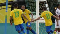 Neymar berselebrasi usai mencetak gol kedua Brasil ke gawang Peru dalam pertandingan kualifikasi Piala Dunia 2022 Qatar di Pernambuco Arena, Recife, Brasil, Jumat, 10 September 2021. (AP Photo/Andre Penner)