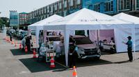 PT Hyundai Motor Manufacturing Indonesia (HMMI) yang membantu Pemerintah Provinsi Jawa Barat untuk mengimplementasikan tes cepat dengan metode Drive-Thru
