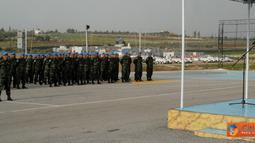 Citizen6, Lebanon: Pemberangkatan cuti secara resmi dilepas oleh Dansatgas Indobatt Letkol Inf Suharto Sudarsono dengan upacara militer sederhana, Selasa (13/3). (Pengirim: Badarudin Bakri)