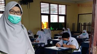 KPAI saat memantai pelaksanaan PTM di salah satu sekolah di Indonesia