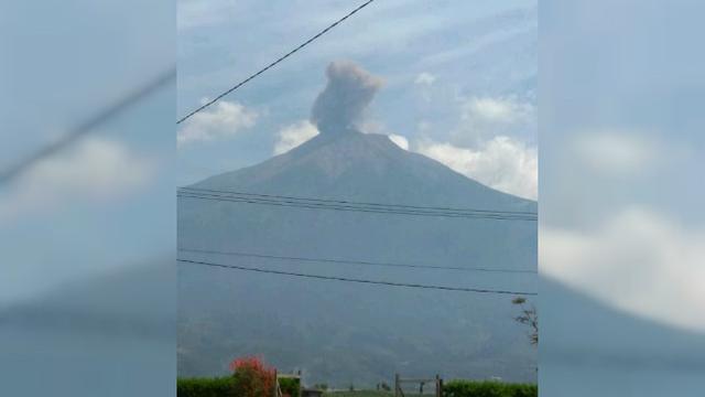Gunung Api Kerinci Erupsi