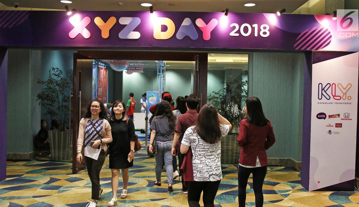 Antusiasme pengujung saat menghadiri XYZ Day 2018 di The Hall Senayan City, Jakarta, Rabu (25/4). XYZ Day merupakan sebuah konferensi inspirasi multigenerasi. (Liputan6.com/Herman Zakharia)