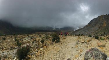 Jalur pendakian Gunung Papandayan