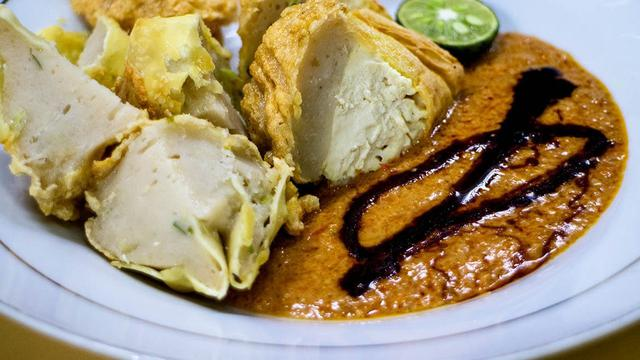 15 Makanan Enak Di Bandung Dari Kaki Lima Hingga Resto Bintang