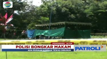 Diduga tewas dianiaya, makam Mohamad Mulyono, warga Bungkal, Ponorogo, Jawa Timur, dibongkar kepolisian.