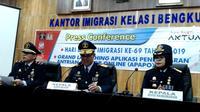 Kantor Imigrasi Bengkulu memberikan kemudahan pelayanan bagi warga desa yang ingin membuat paspor (LIputan6.com/Yuliardi Hardjo)