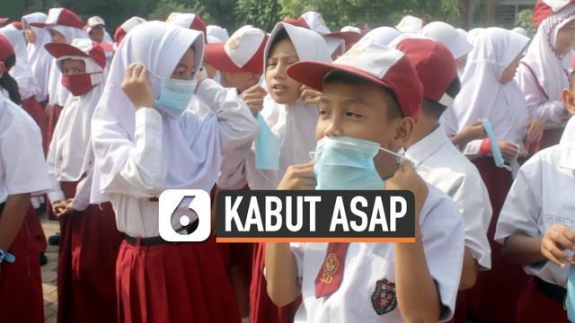 Kabut asap kembali membuat kualitas udara di Kota Jambi kembali memburuk, membuat pemerintah kota itu mengambil kebijakan untuk mengundurkan jam masuk siswa PAUD, SD, SMP Negeri, dan swasta sederajat.