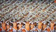 Ternyata tarian yang memukai saat pembukaan Asian Games 2018 bukanlah Tari Saman, melainkan Tari Ratoh Jaroe.  (Bola.com/Vitalis Yogi Trisna)