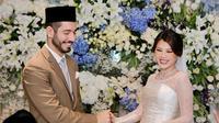 Momen pernikahan Adinda Bakrie dan Vinny Di Lucia (Sumber: Instagram/adindabakrie)