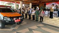Ketua Satgas COVID-19 Ganip Warsito melepas mobil masker untuk penguatan protokol kesehatan di wilayah Aceh, Sabtu (28/8/2021). (Dok BNPB)