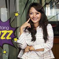 Sukses dengan lagu Syantiek, Siti Badriah gelar syukuruan dengan anak Yatim Piatu