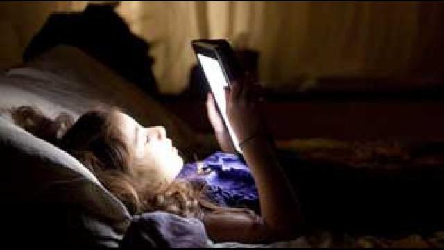Berikut adalah larangan-larangan yang sebaiknya tak anda lakukan sebelum tidur malam agar bisa tidur lebih nyenyak.