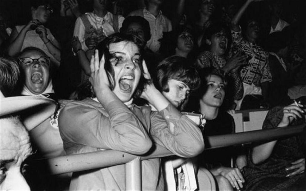 Ilustrasi penonton musik. (Via: telegraph.co.uk)