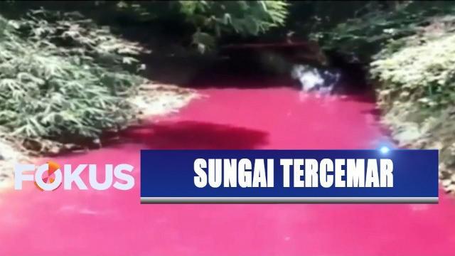 Bukan hanya merah muda, warna sungai yang berada di tengah desa tersebut akan berubah sesuai limbah pewarna tekstil yang dibuang.