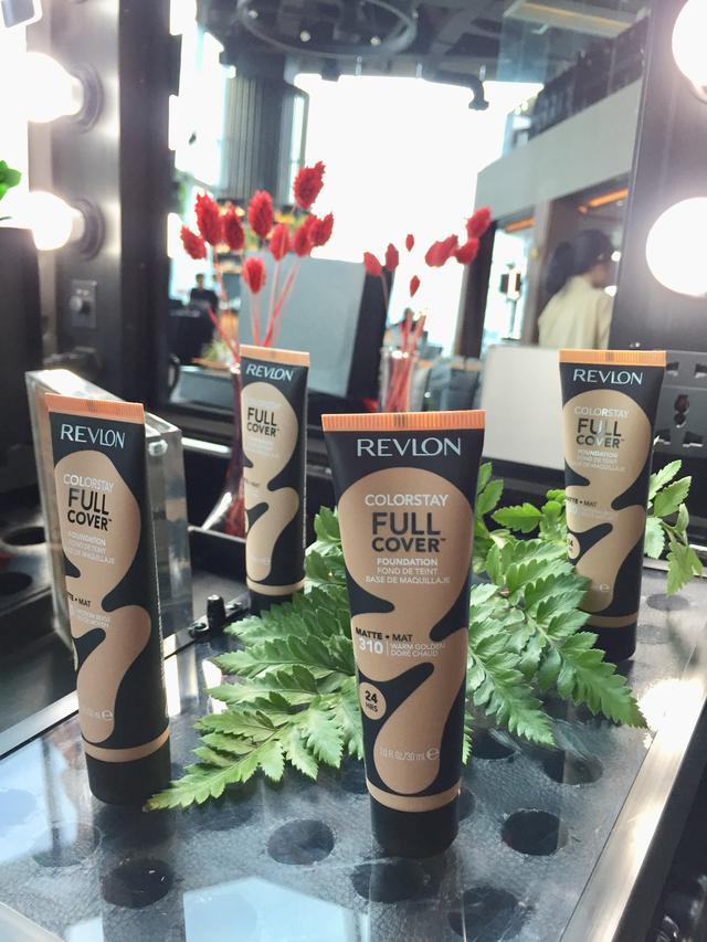 Tingkatkan Kepercayaan Diri dengan Produk Makeup Full Cover Foundation Terkini