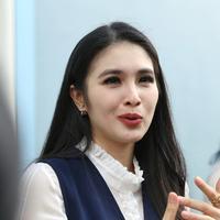 Sandra Dewi. (Nurwahyunan/Fimela.com)
