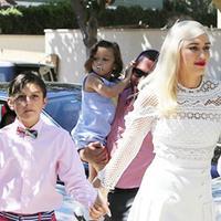 Paskah menjadi momen yang paling ditunggu umat Kristiani. Begitu pulang dengan Selebriti Hollywood. Gwen Stefani pun menghabiskan waktu dengan anak-anaknya! (FlameFlynet/HollywoodLife)