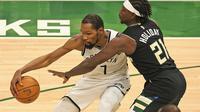 Kevin Durant pada laga Brookyn Nets vs Bucks di NBA Playoff (AFP)