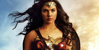Setelah puluhan tahun kamu disuguhkan oleh superhero yang berjenis kelamin cowok. Sekarang waktunya Princess Diana of Themyscira alias Wonder Woman mencuri hati. (WARNER BROS. PICTURES)