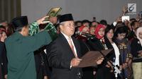 Perry Warjiyo diambil sumpah jabatan saat dilantik sebagai Gubernur BI di Gedung Mahkamah Agung, Jakarta, Kamis (24/5). Perry resmi menjabat sebagai Gubernur BI menggantikan Agus Martowardojo yang habis masa jabatannya. (Merdeka.com/Iqbal Nugroho)