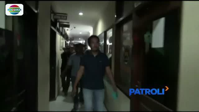 Pelaku penganiayaan tersebut diperiksa bersama korbannya Sekar Rukmi yang merupakan mantan kekasihnya.