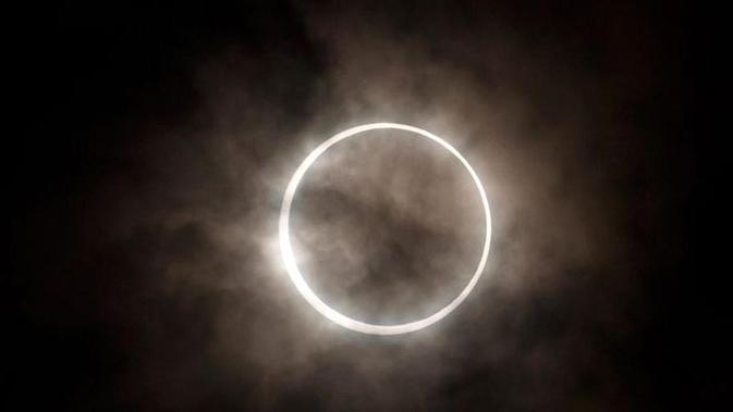 Ilustrasi Gerhana Matahari Cincin. (Ist)