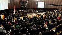 Sejumlah anggota DPR, MPR dan DPD periode 2014-2019 mengikuti Sidang Paripurna MPR di Gedung Nusantara, Komplek Parlemen Senayan, Jakarta, Rabu (1/10) (Liputan6.com/Andrian Martinus Tunay)