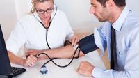 Dianjurkan untuk Kita Rutin Mengecek Tekanan Darah agar Terhindar dari Hipertensi Sekali Setahun (Ilustrasi/iStockphoto)