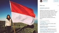 Pevita Pearce mengunggah foto saat berpose di puncak gunung Mahameru. (foto: instagram.com/pevpearce)
