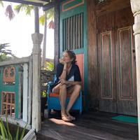 Tamara Bleszynski belajar banyak selama tinggal di Bali, salah satunya belajar menjadi nyaman (Dok.Instagram/@tamarableszynskiofficial/https://www.instagram.com/p/B4ct6itl7NR/Komarudin)